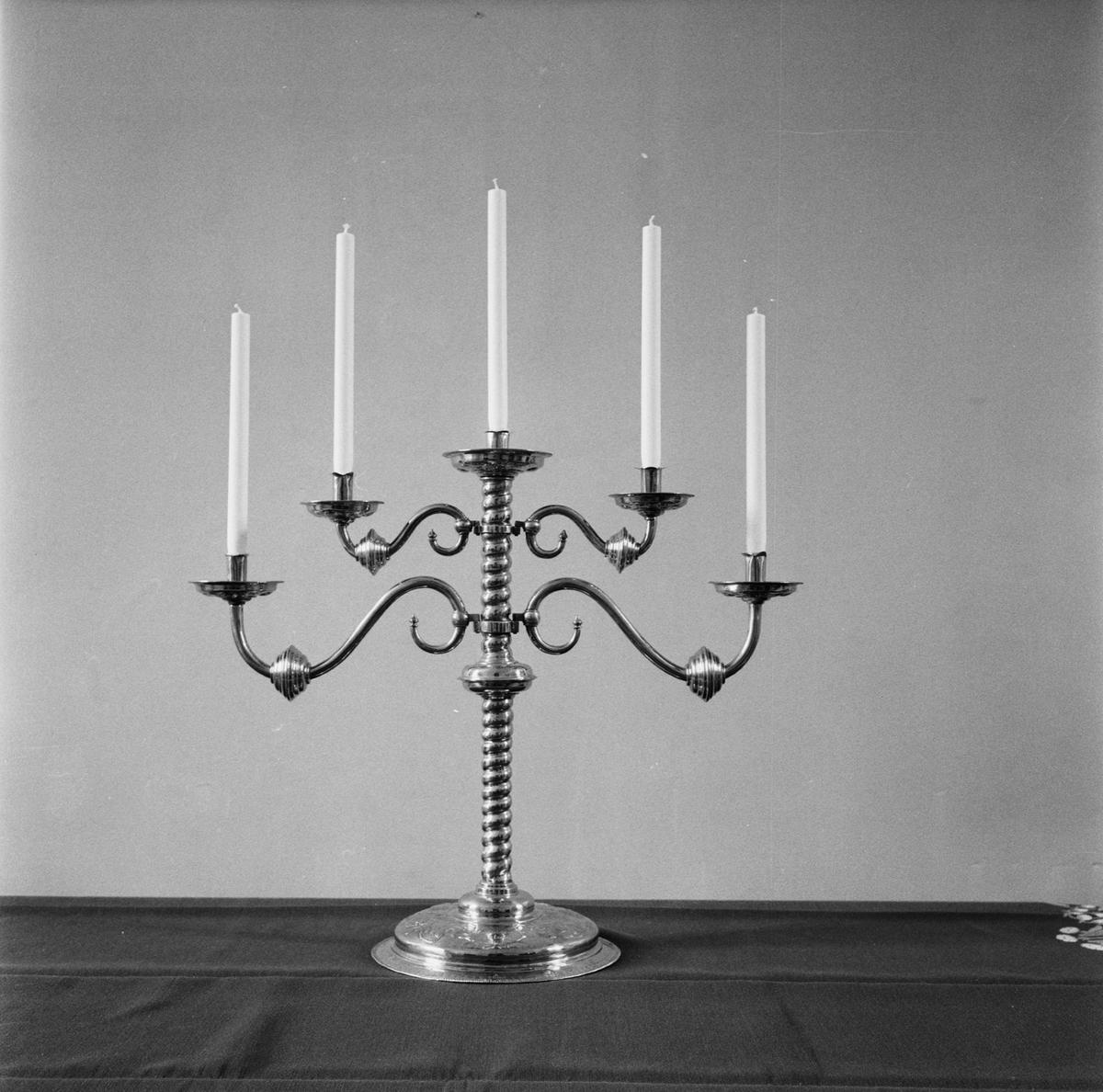 Övrigt: Fotodatum:14/4 1961 Byggnader och Kranar. Amt-kyrkan kyrksilver. Närmast identisk bild: V20693, ej skannad
