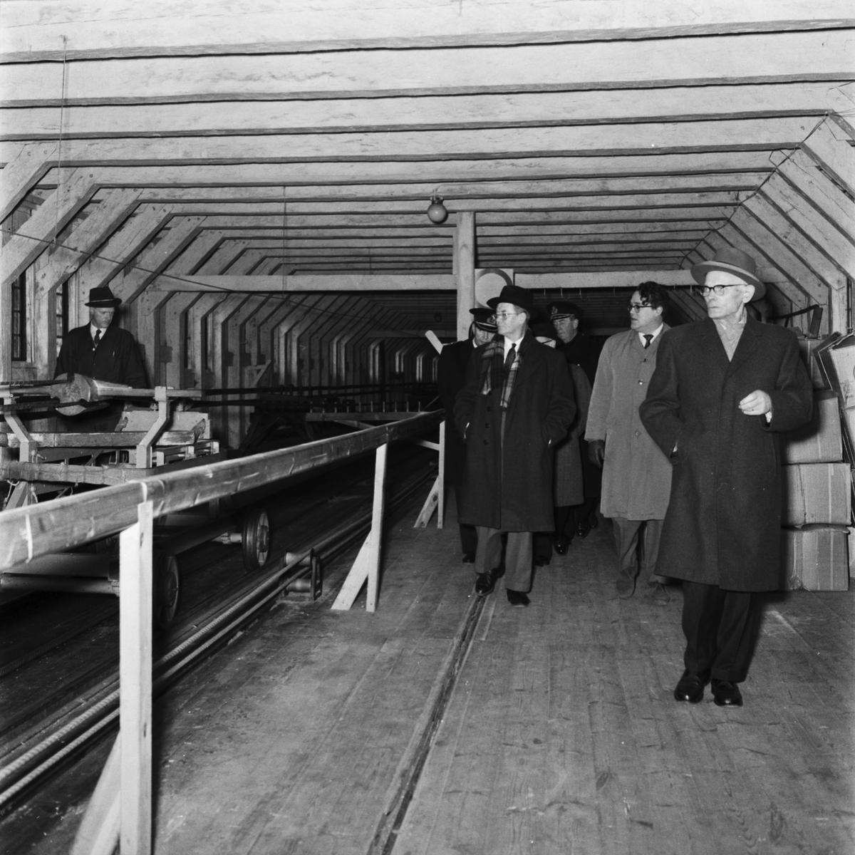 Övrigt: Foto datum: 31/12 1960 Byggnader och kranar Repslagarebanan sista tampen interiör