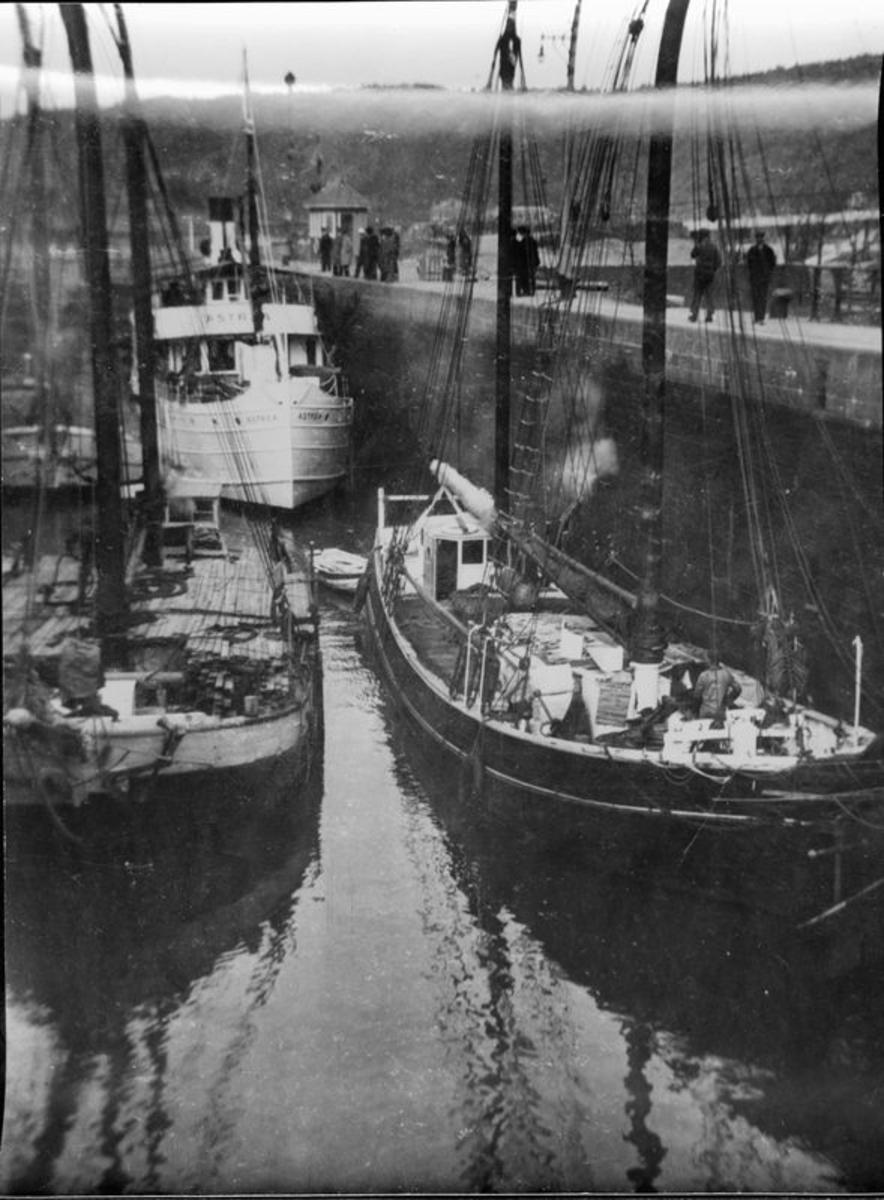Lilla Edet 1931-05. Slussning.