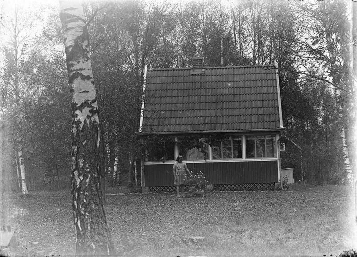 Liten stuga, sannolikt vid Nordkroken, Vargön.