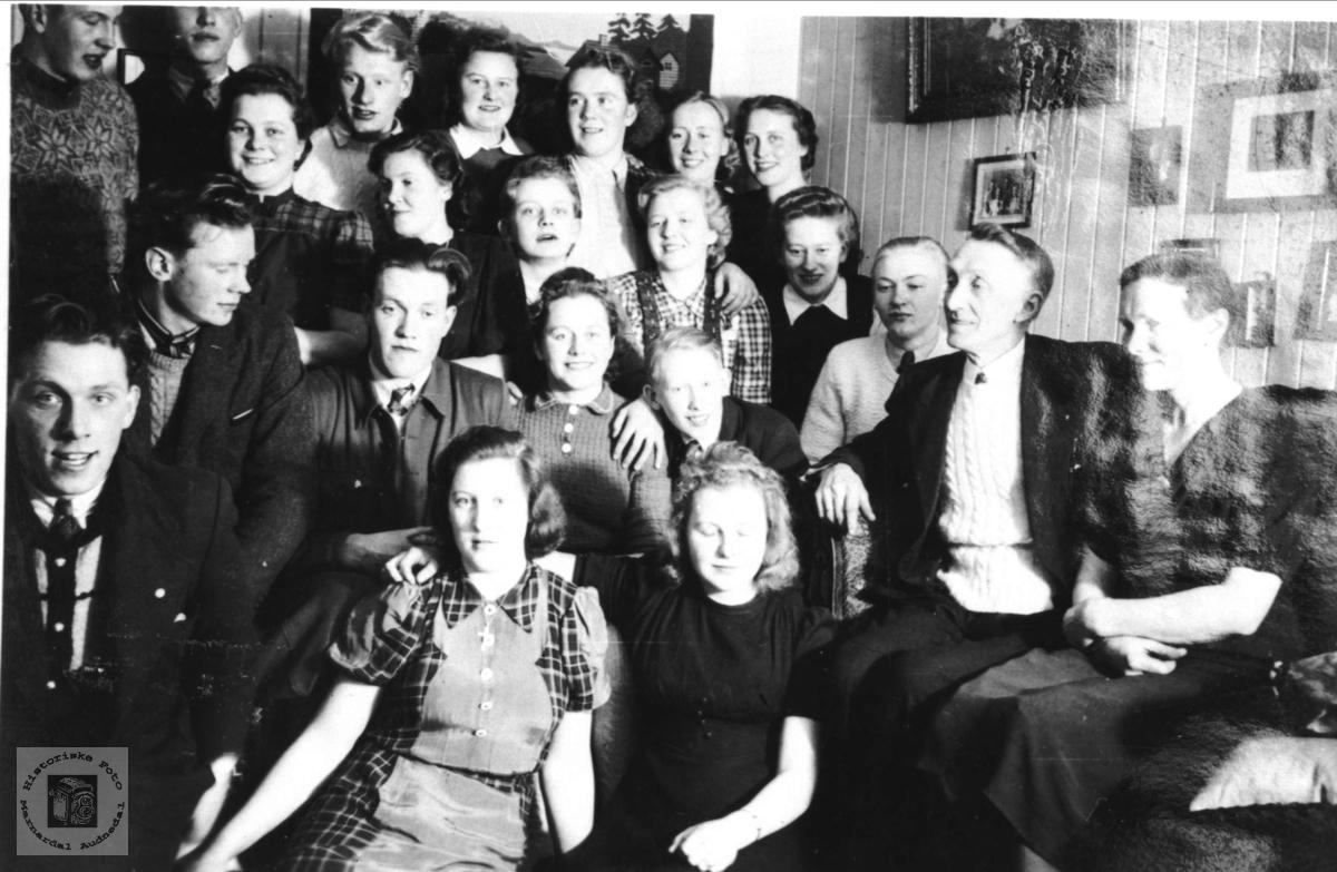 Ungdomsamling på Eikeland i Holum
