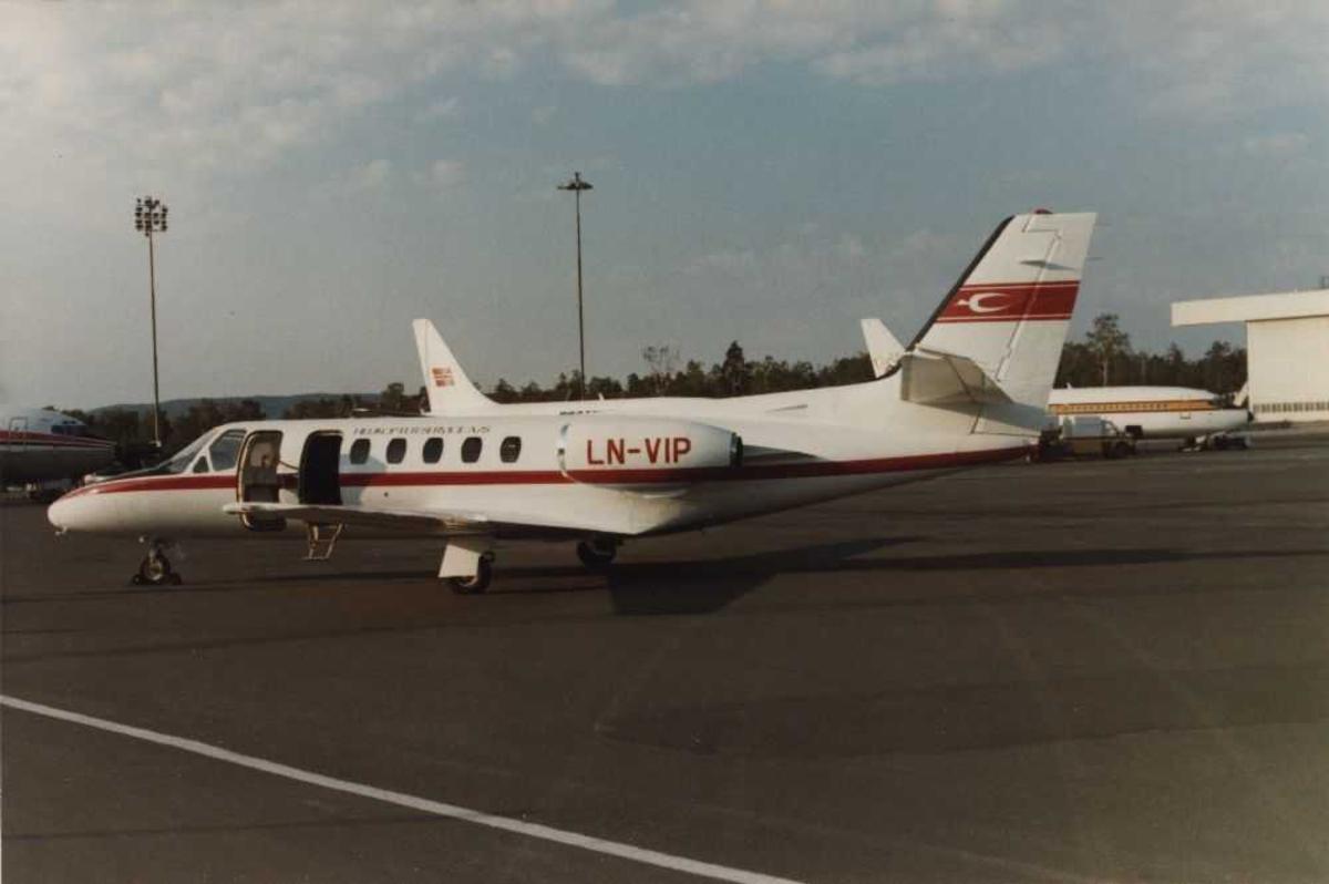 Ett fly på bakken. LN-VIP Cessna 550 Citation II Helikopter Service AS