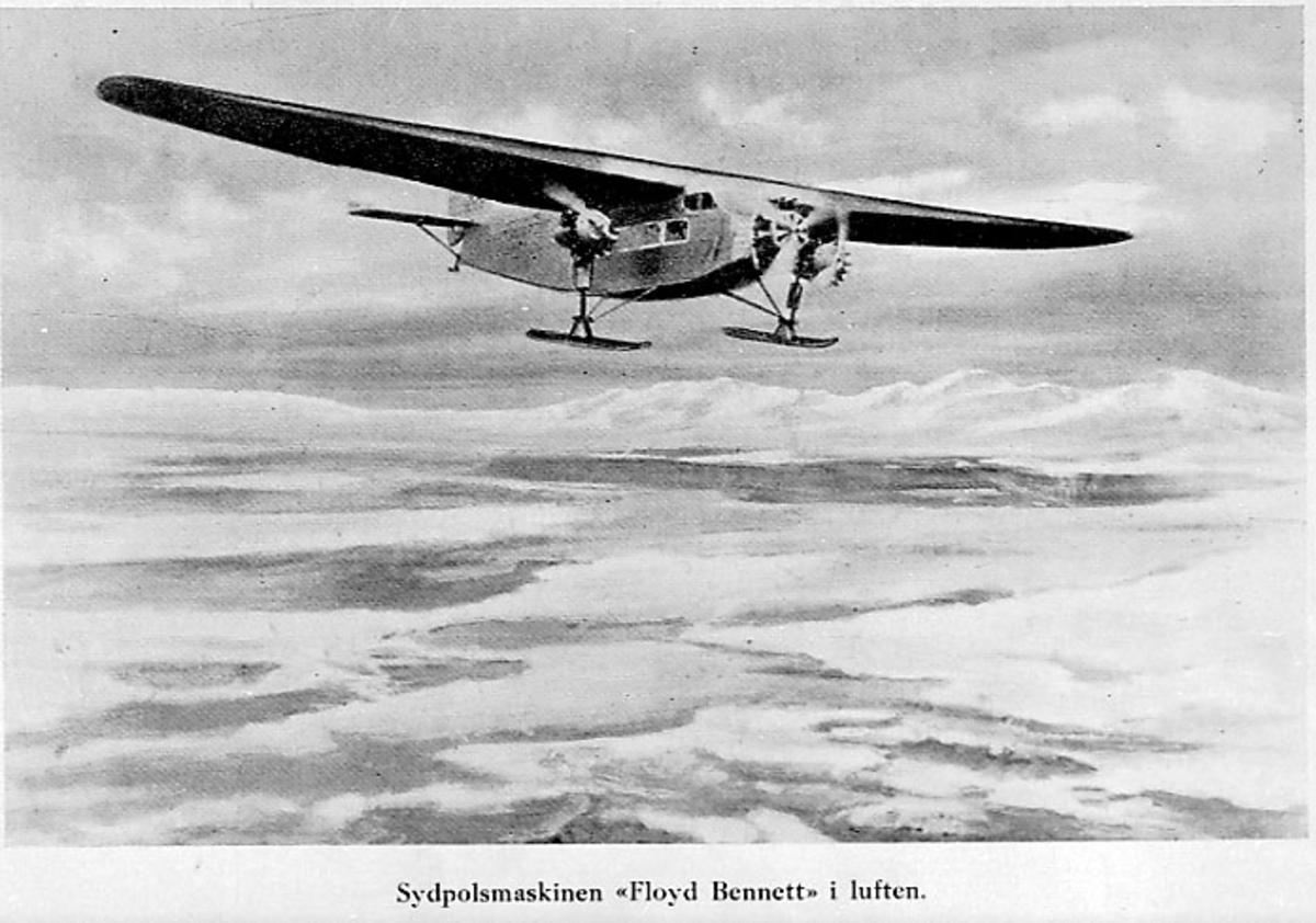 "Luftfoto, 1 fly ""Floyd Bennet"" - landskap dekket med snø under."