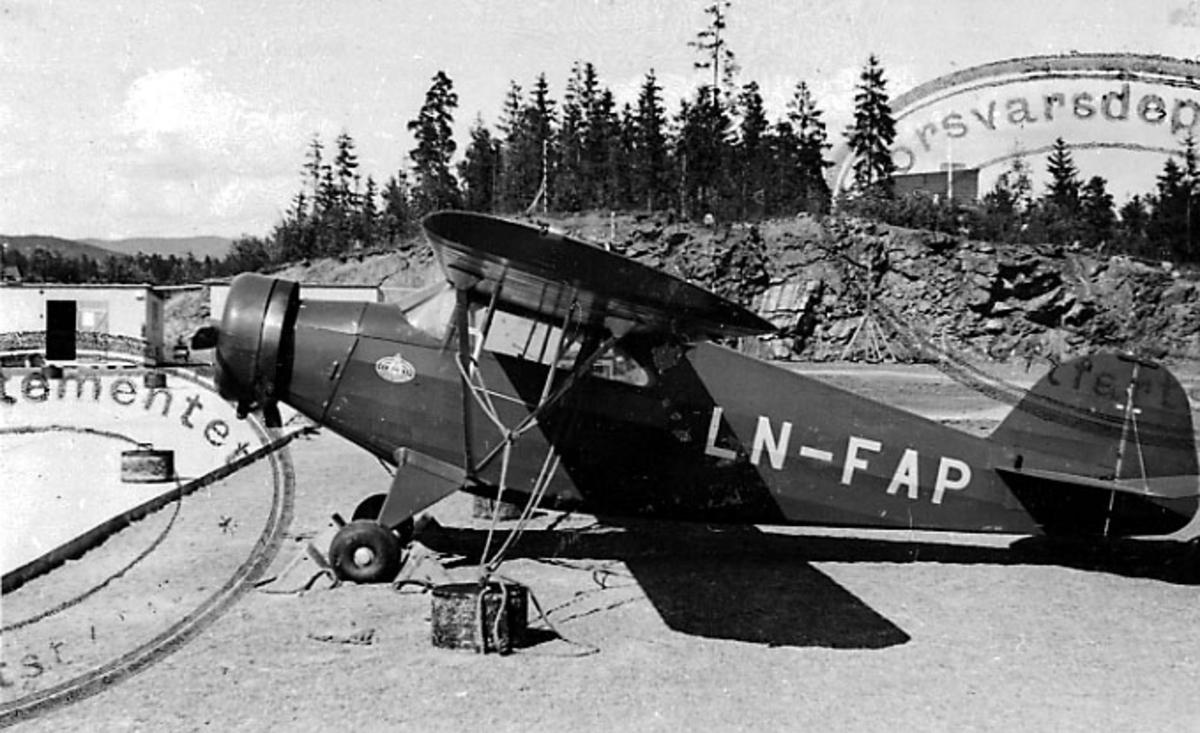 1 fly på bakken, G.V. 38 3005, LN-FAP, fra Valdres Flyklubb