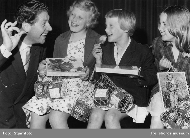Karusellprogram i Folkets park 19/6 1961. Ledare Elon Dahl.