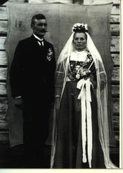 Brudebilde av mann og kvinne.