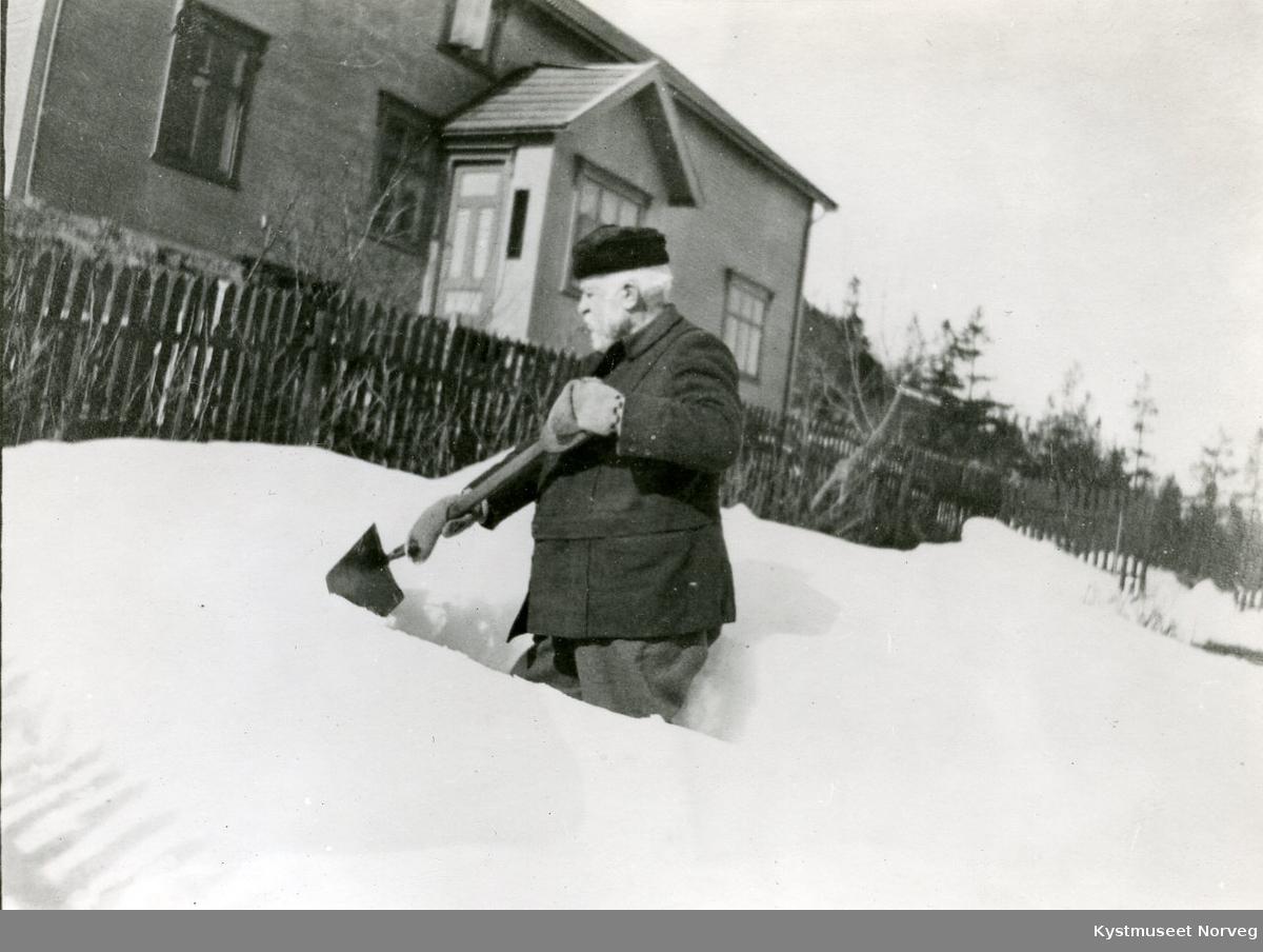 Joseph John Armistead måker snø