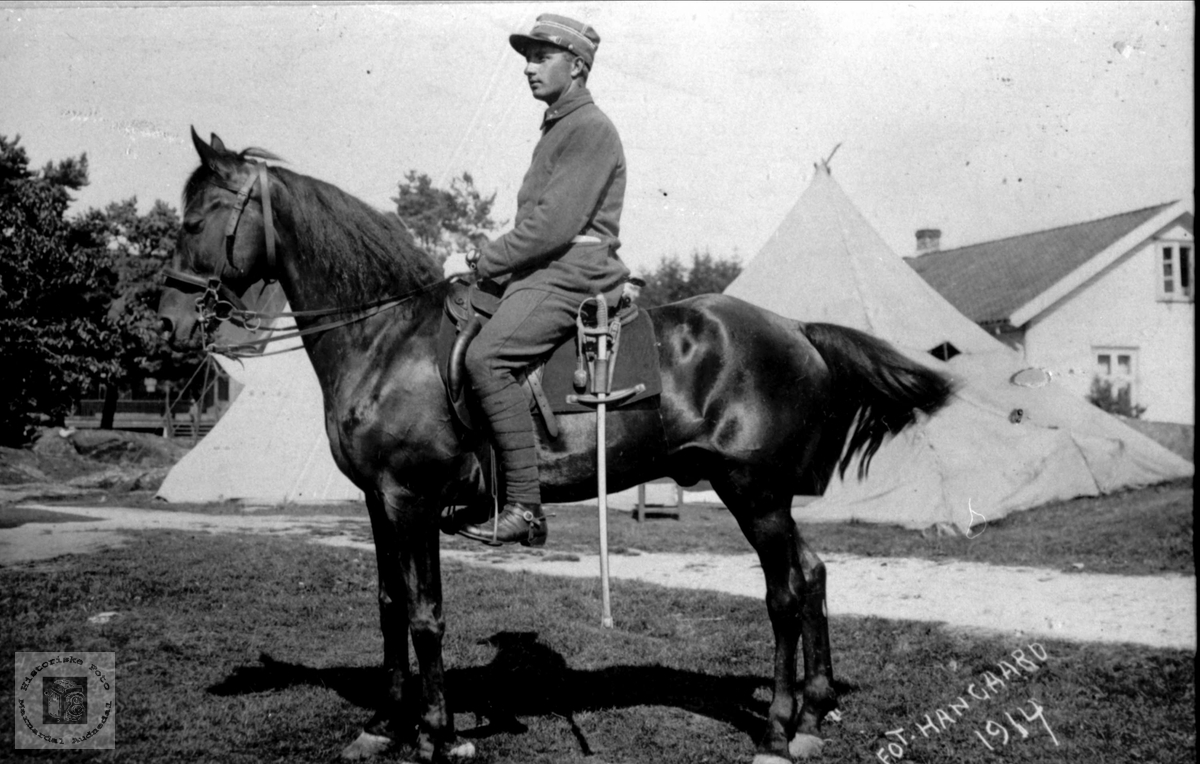 Soldat på hest.