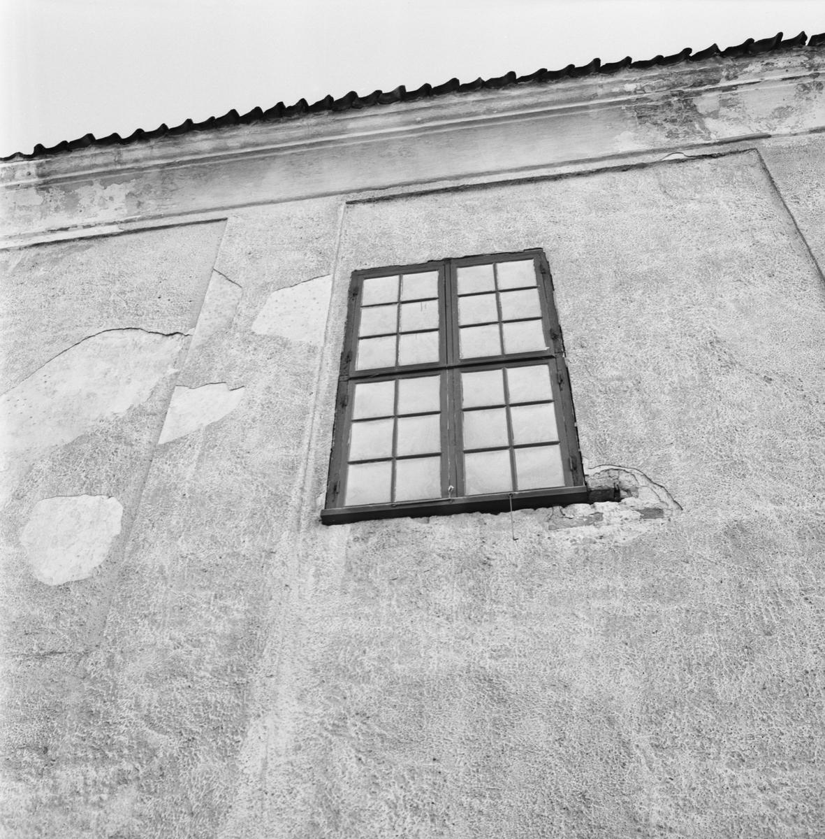 Övrigt: Foto datum: 13/12 1965 Byggnader och kranar Exteriör och Interiör av repslagarbanan