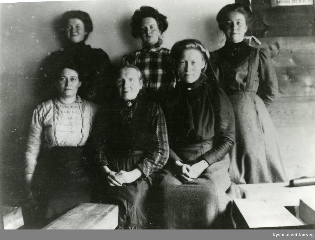 Gine Hiller, Thale Holmberg, Helga Fagerbakken, Ragna Selliseth, Sigrid Hiller og Kaia Dragland