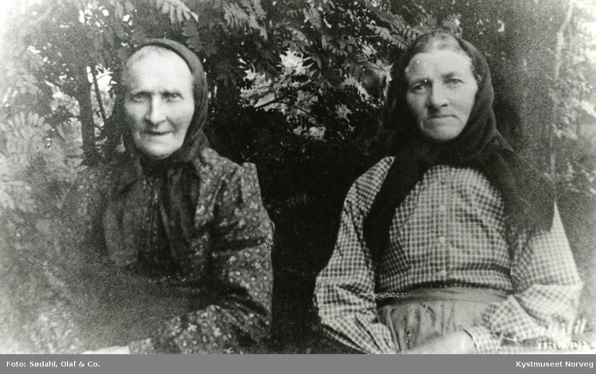 Søstrene Oline og Anna Mattisdatter