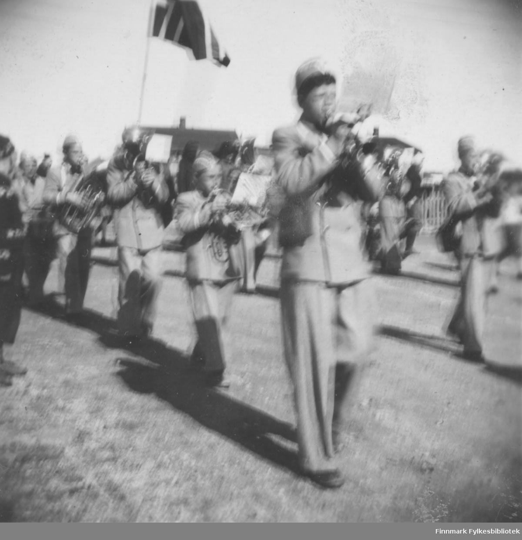 Musikkorps i Vadsøs gater, sommeren 1949
