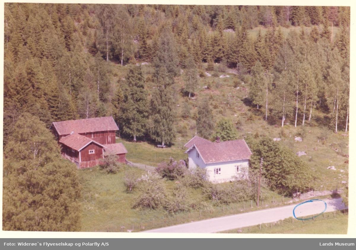 Lundby, Etna ved Valdresbanen