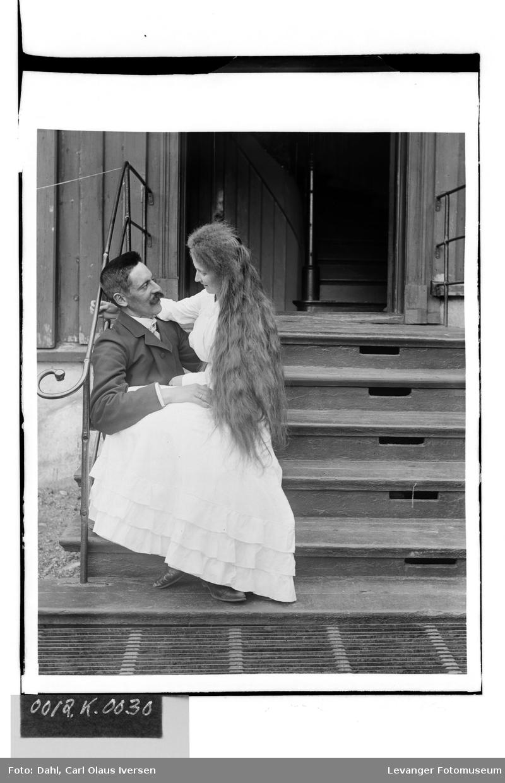 Carl Dahl med sin forlovede Mary Hutchinson