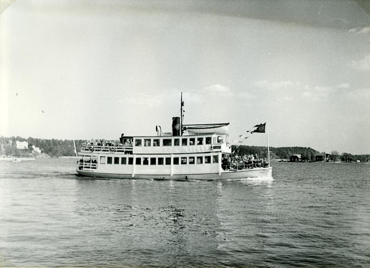 Fotodatum; 17/5 1953.- Vid Vaxholm på ingående mot Stockholm.