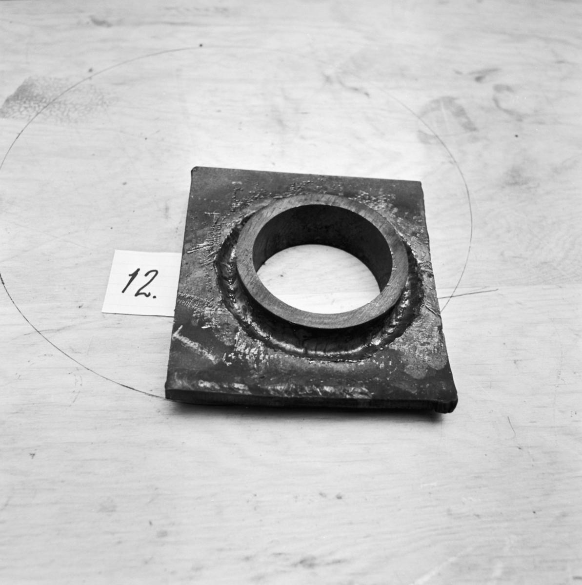 Övrigt: Foto datum: 6/7 1966 Byggnader och kranar Prov för stycksvetsning