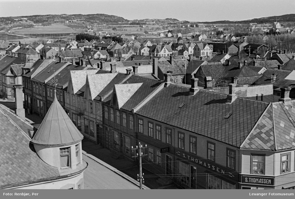 Hovedgata i Levanger tatt fra kirketårnet  II
