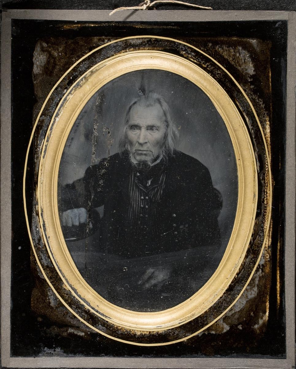 Portrett av eidsvollsmann Omund Bjørnsen Birkeland (1786-1862).