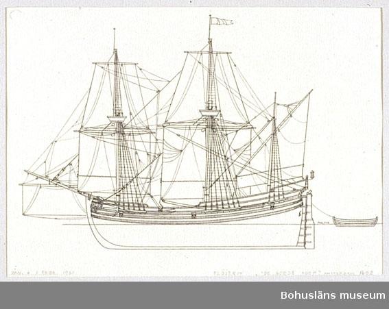 Montering/ram: Passepartout av tunn grå kartong; 55 x 66 cm, En flöjt, rundgattad och flatbottnad, vanlig holländskt handelsfartyg under 1600-talet. Övrig historik se UM72.26.001.