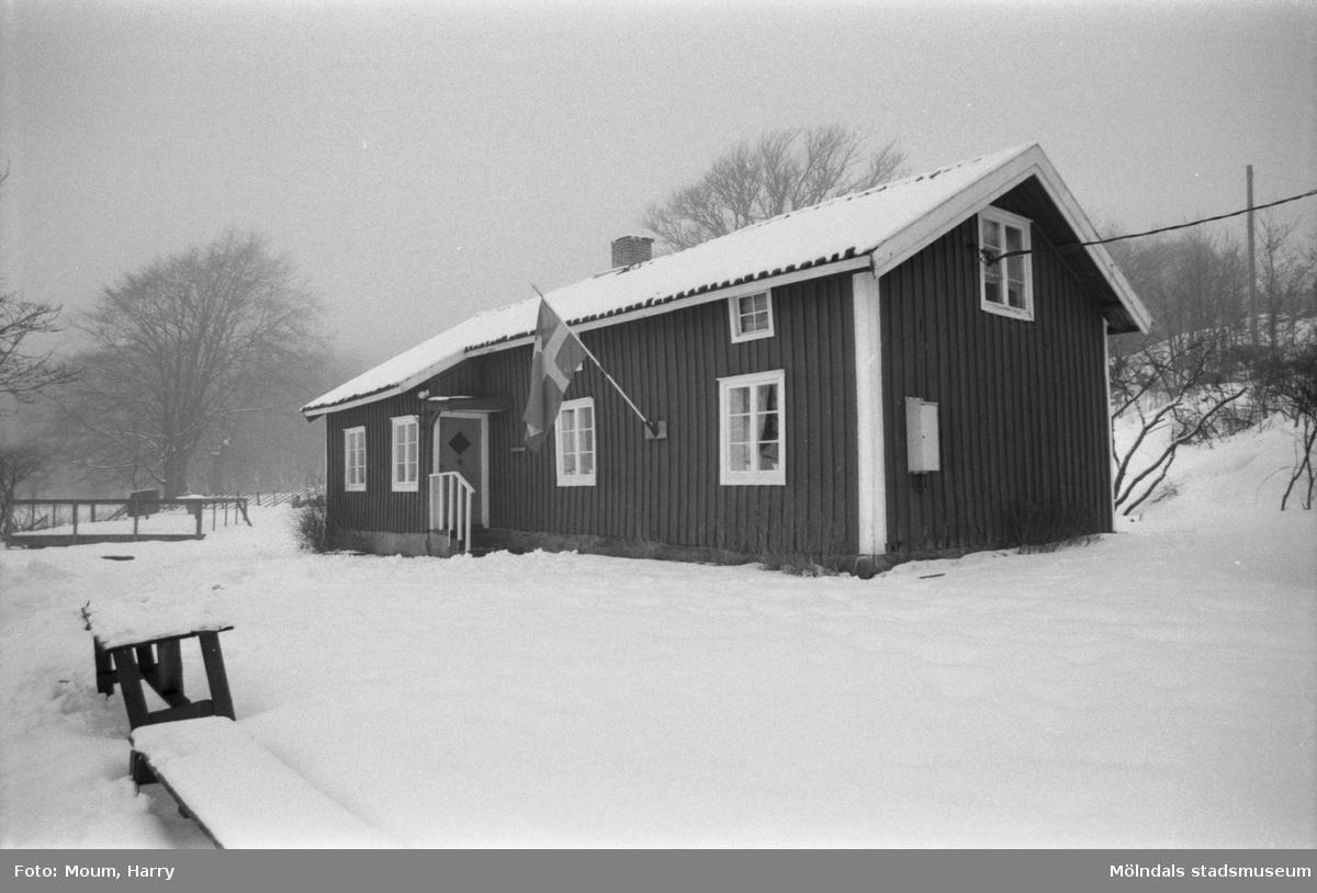Söndagsträff på hembygdsgården i Långåker, Kållered, år 1985.  För mer information om bilden se under tilläggsinformation.