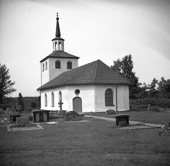 Sanne socken. Sanne kyrka, kyrkogård och gravstenar.