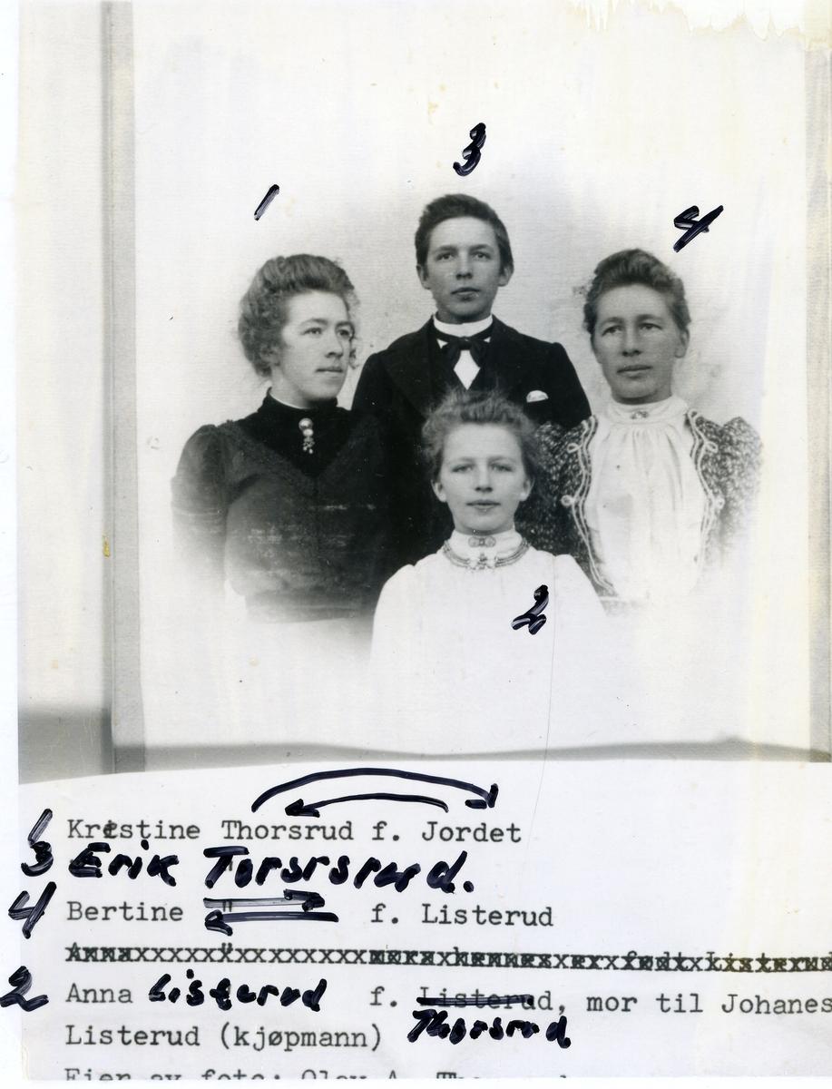 1. Kristine Jordet f. Thorsrud 2. Anna Listerud f. Thorsrud 3. Erik Thorsrud 4. Bertine Listerud f. Thorsrud