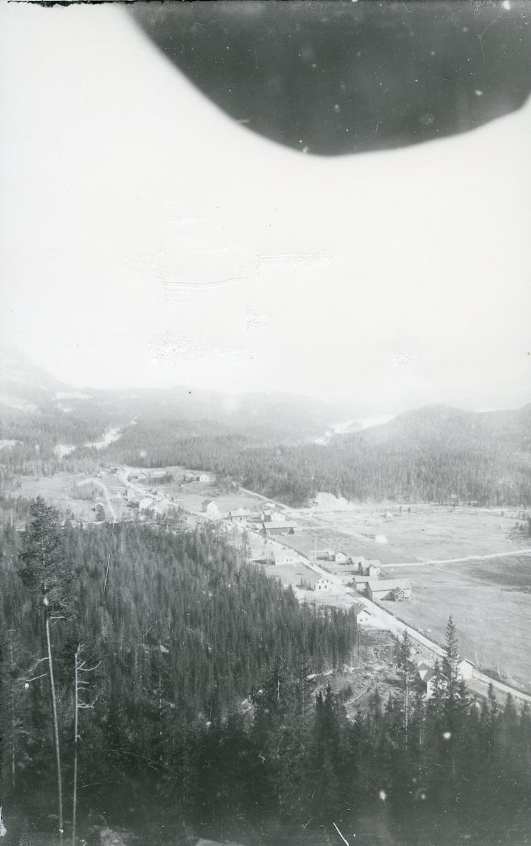 Oversiktbilde over Leira, Valdres. Bildet er tatt i 1905