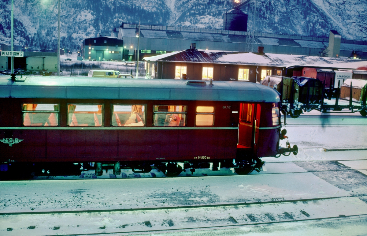 NSB dieselmotorvogn BM 86 57 i Mosjøen.