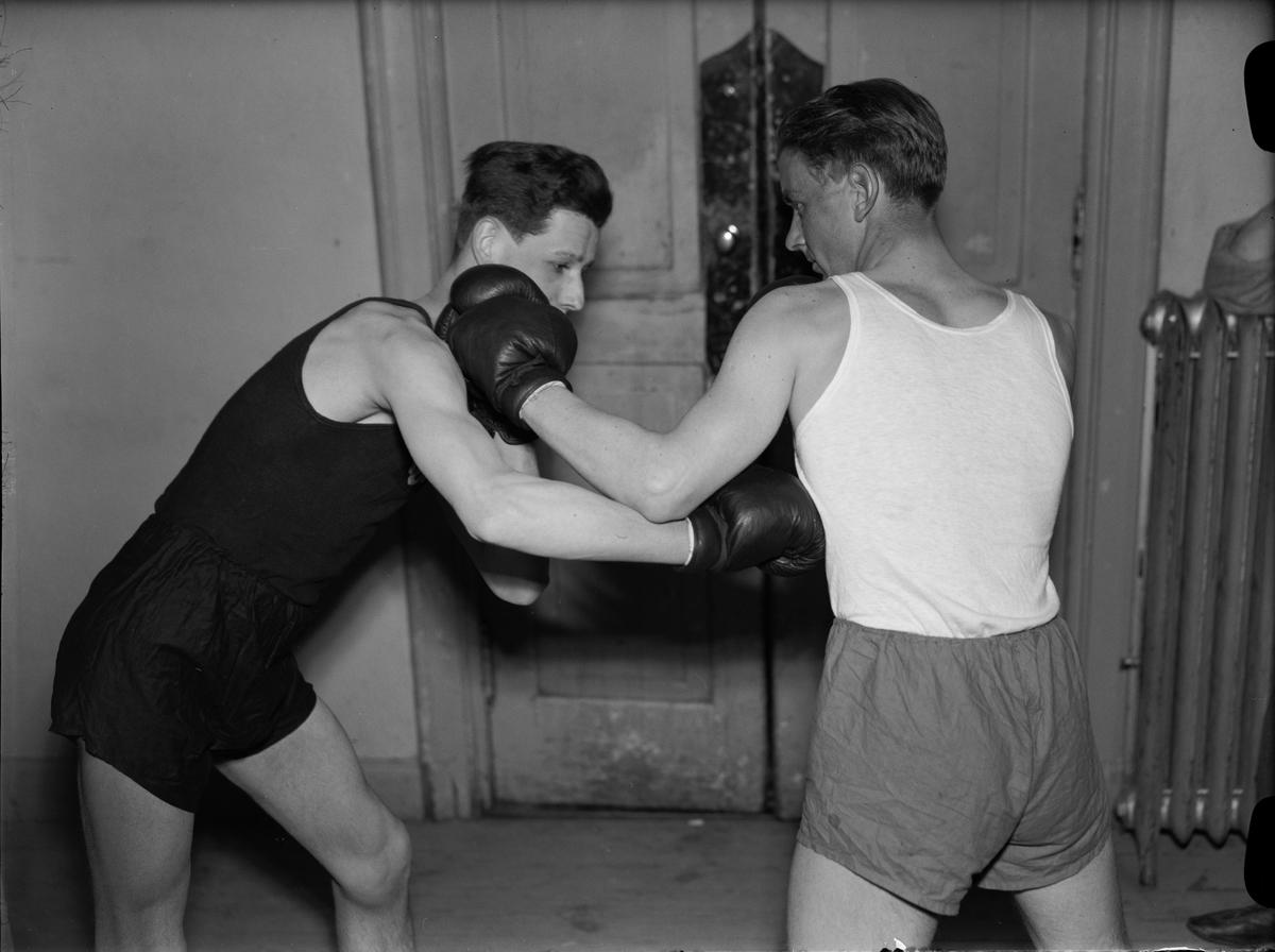 Två män boxas, Uppsala 1943