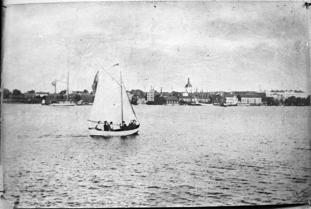 Bild från Vänern mot Vänersborg