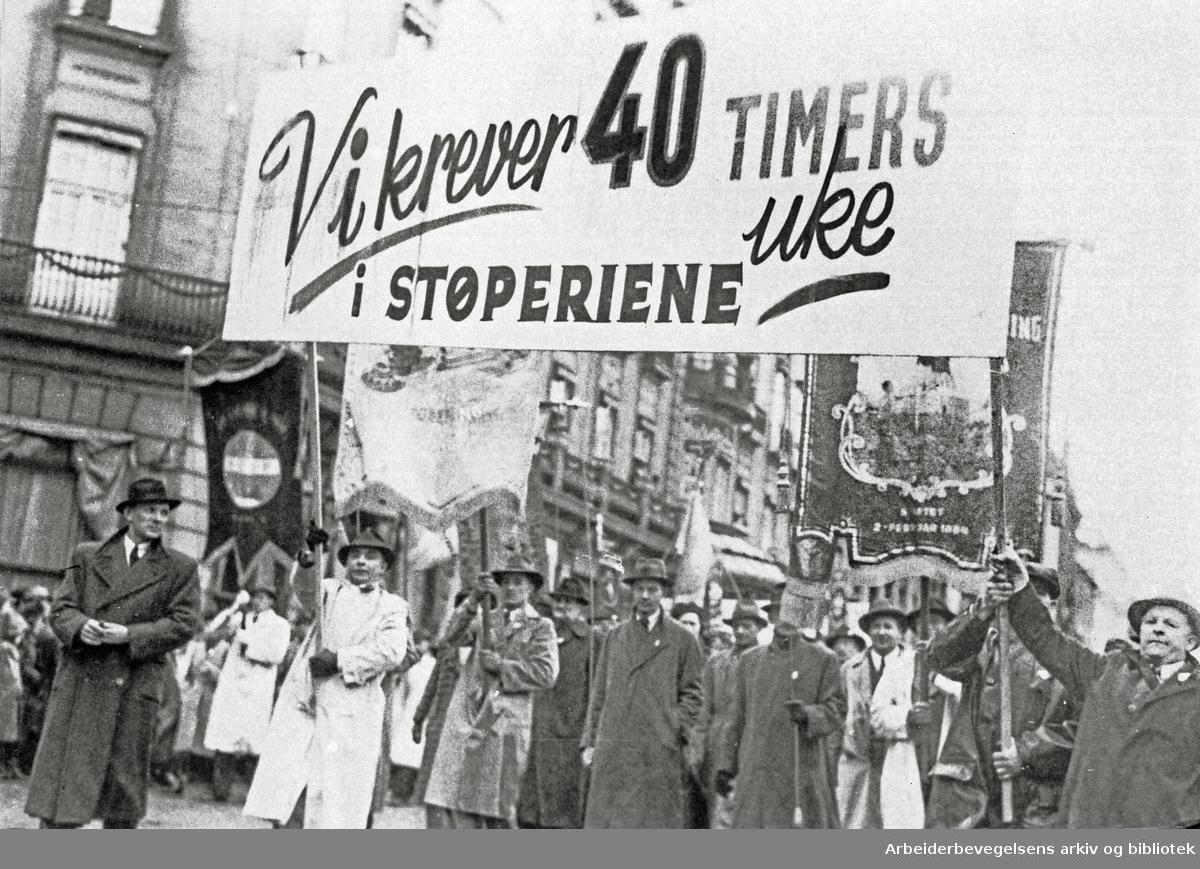 1. mai 1948.Demonstrasjonstoget..Parole: Vi krever 40 timers uke.i støperiene...