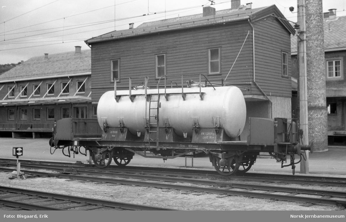 Melketankvogn litra Q nr. 73139 på Ål stasjon
