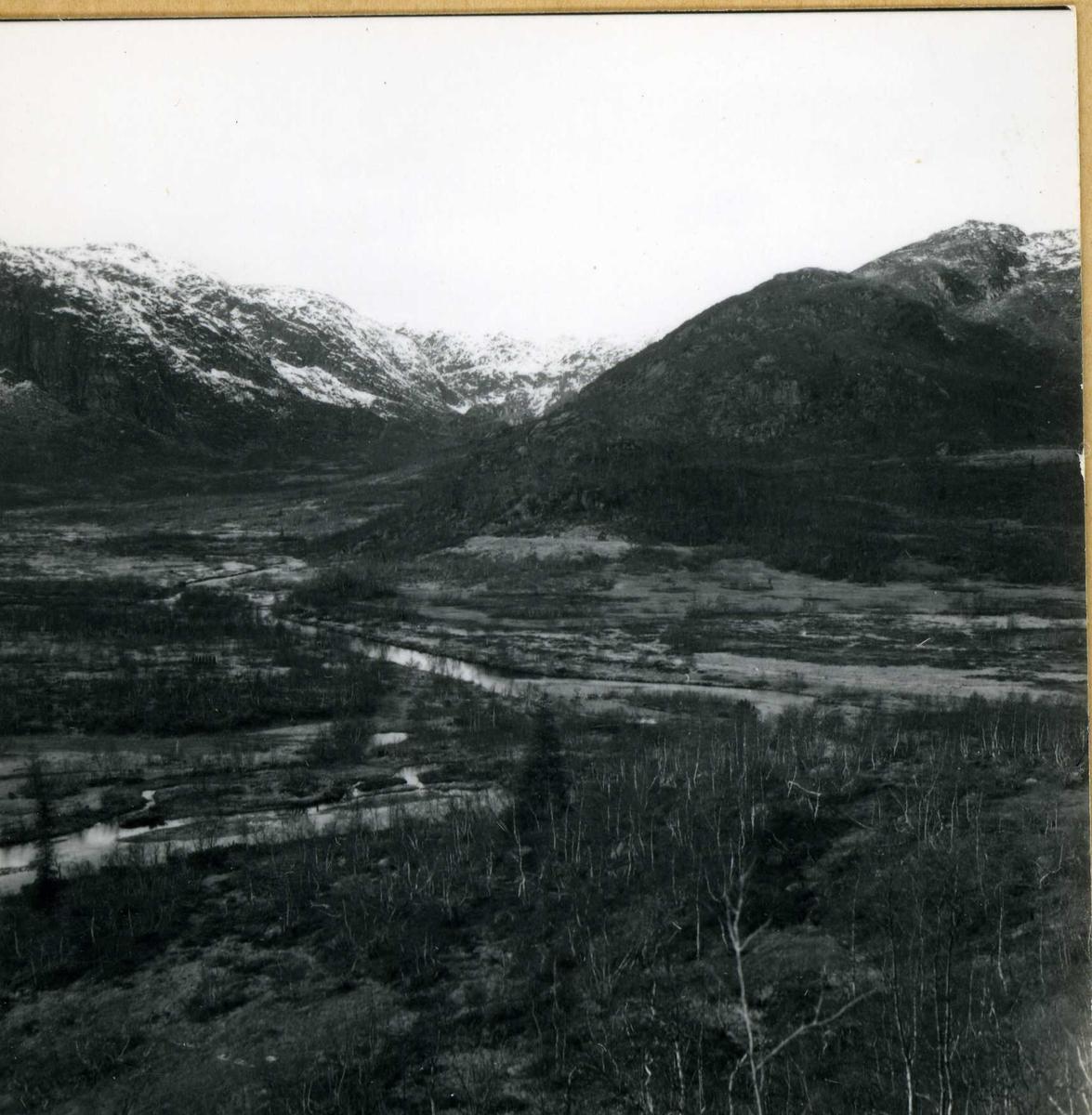 434 Utsikt over anleggsområde med elver.
