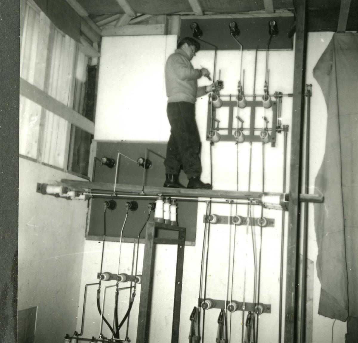 183-3 Person i arbeid Hyllandsfossen kraftverk