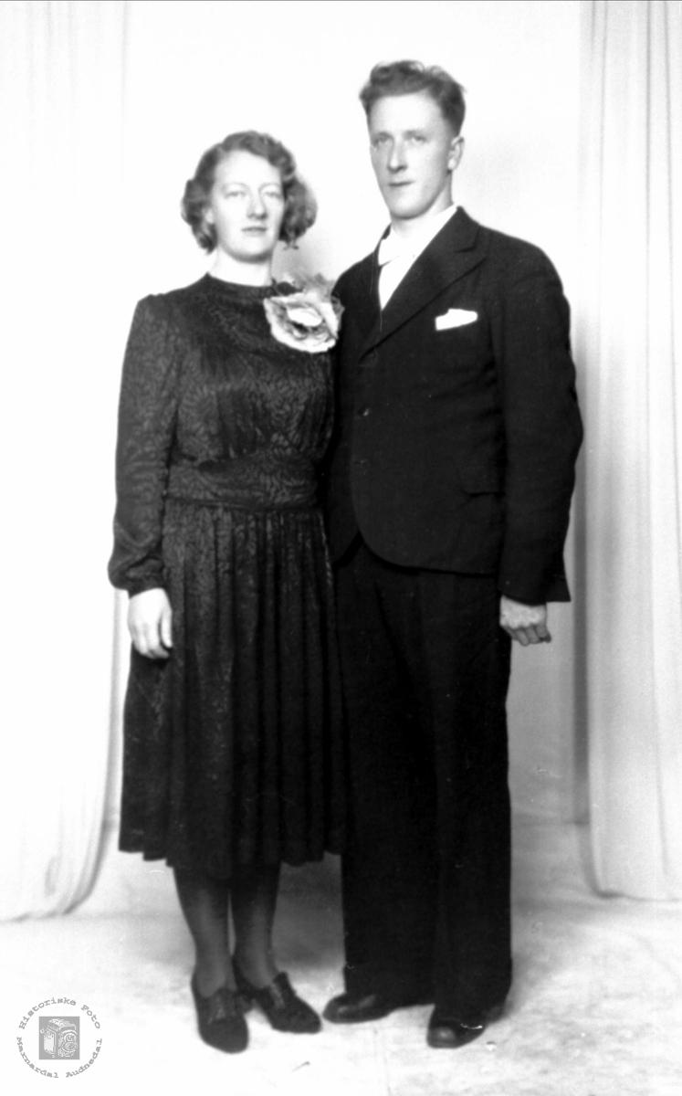 Brudepar. Sigrid og Salve Aukland.
