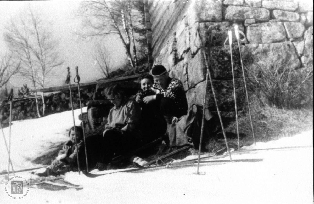 Skitur. Skulandsfolk.