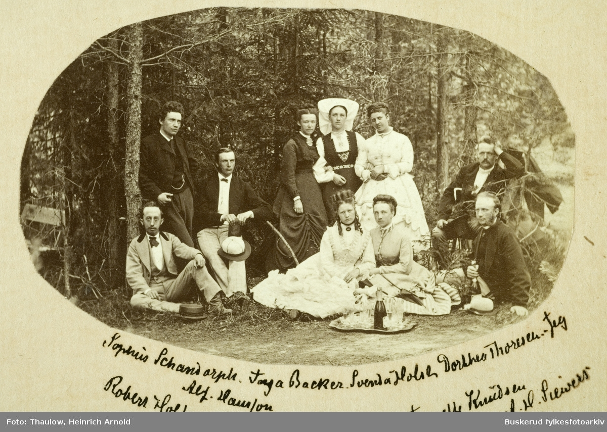 Gruppe bilde av noen beboere ve St. Olafsbad