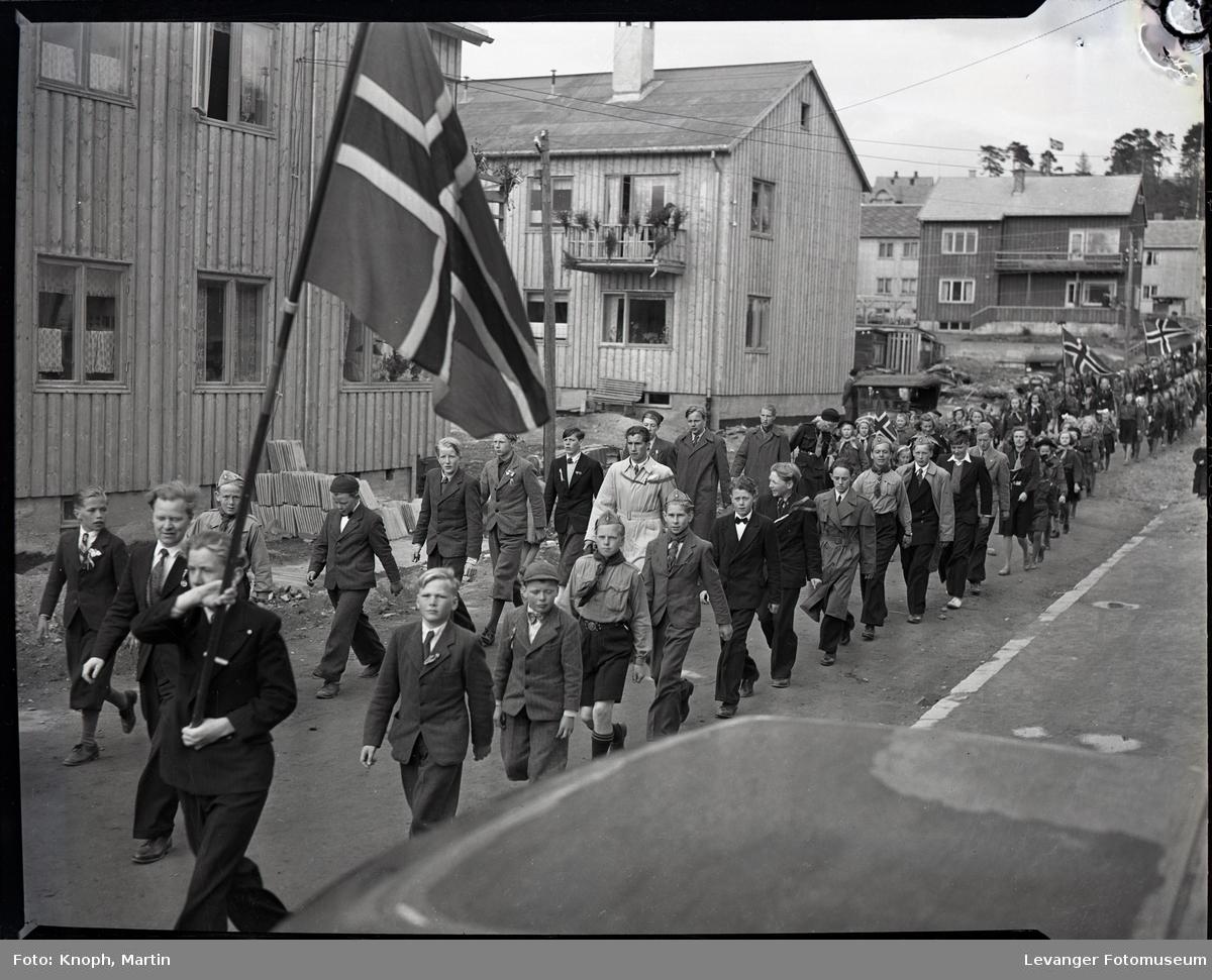 17. mai på Steinkjer, fra Svein Jarls gt.