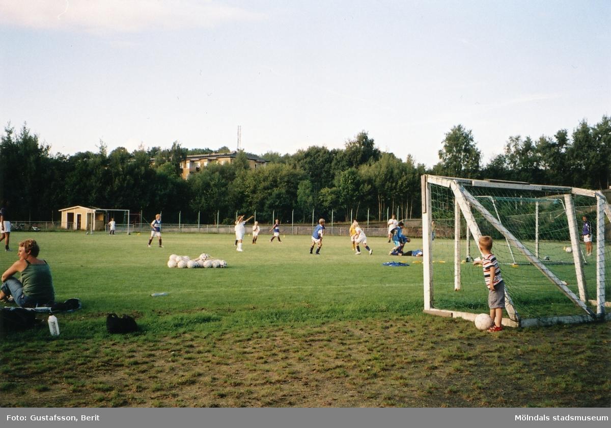 Kvarnbyvallen i Mölndal sommaren 2006.