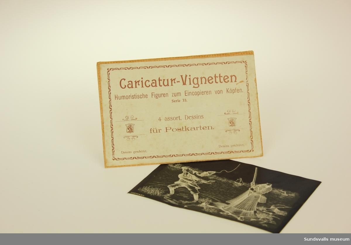 Kuvert innehållande fyra stycken blåritningar och ramar för karaktyrbilder av collagekaraktär samt fyra stycken förtryckta ramar.