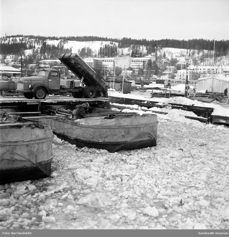 Snöavläggningsplats i hamnen.