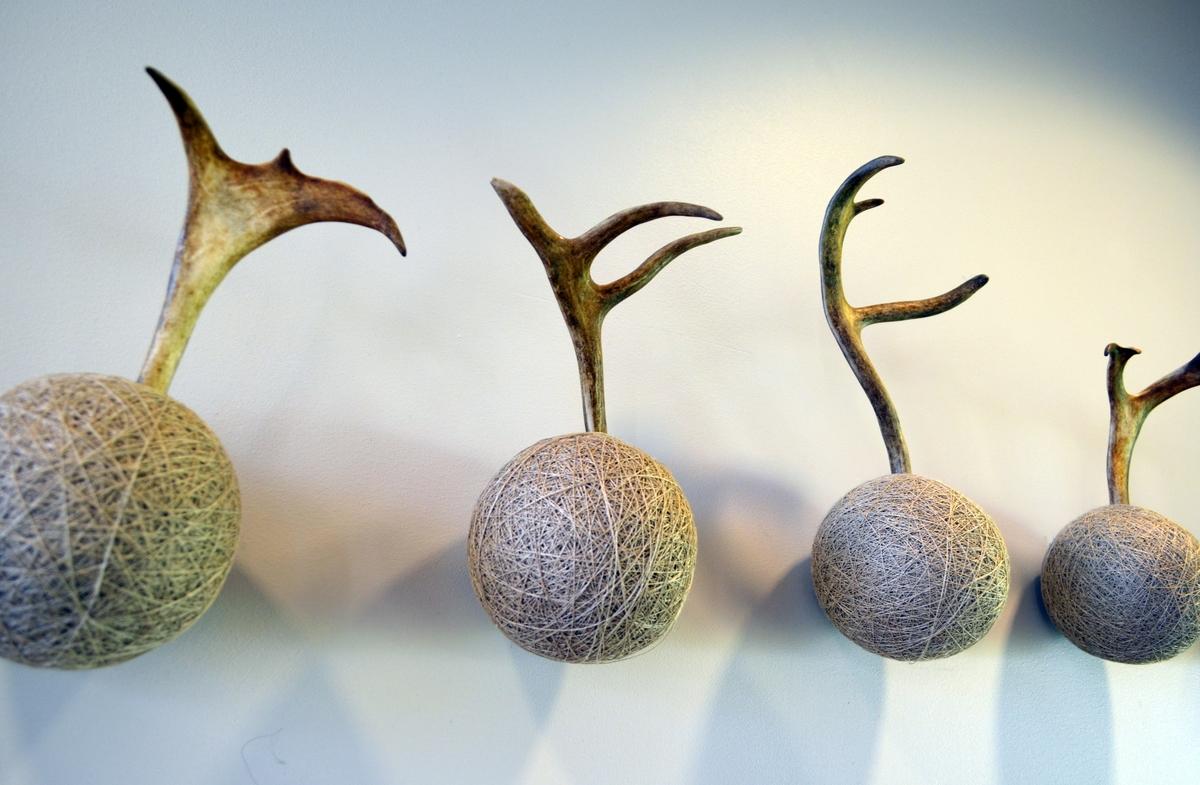 Juliussen eksperimenterer med teknikker og materialer, og kombinerer ofte organiske- og syntetiske materialer i samme verk. Tematikk i hennes arbeider er ofte samspillet mellom dyr og mennesker, og møte mellom natur og kultur. I de siste årene har hun arbeidet med transformasjon av reinsdyret, hvor hun har brukt restprodukter som hår, horn og bein.