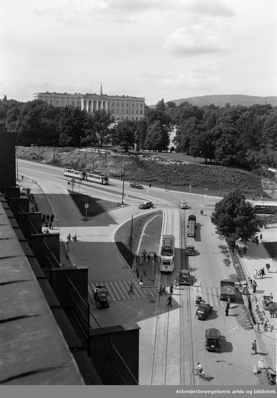 Abelhaugen med Slottet og Slottsparken. 1945 - 1955.