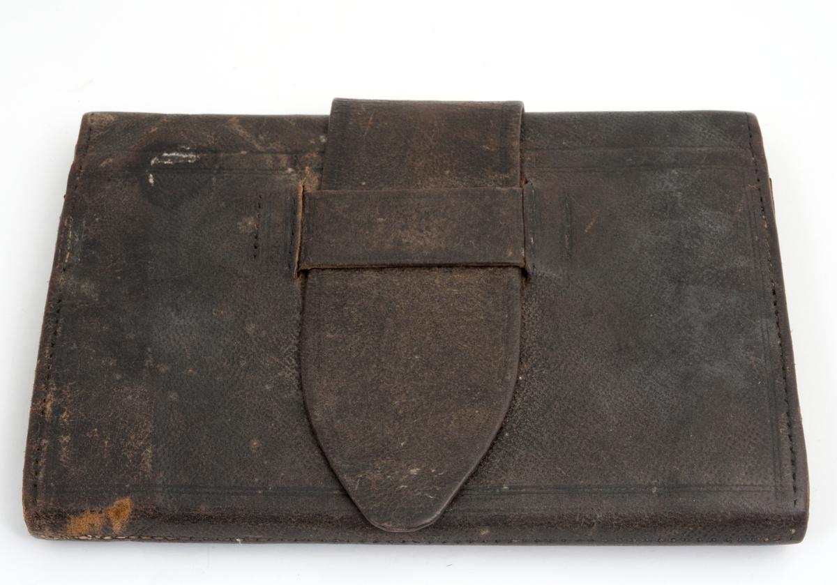 1 lommebok i sort skinn m/4 rom.