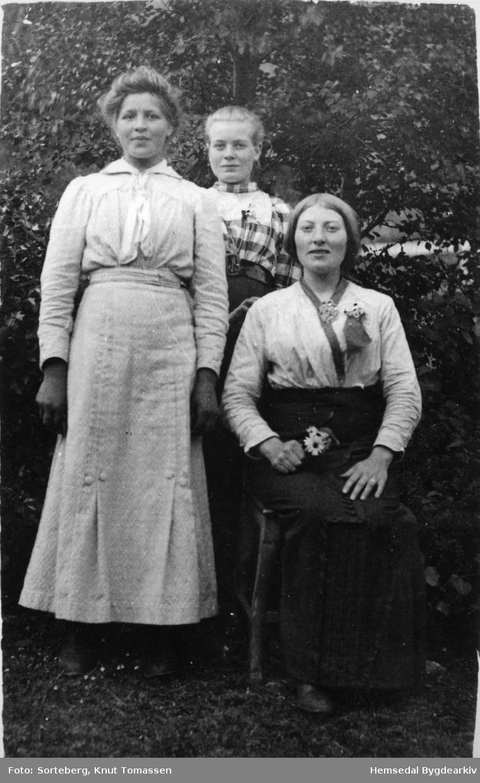 Frå venstre: Ukjend, Ukjend, Kari K. Fekene