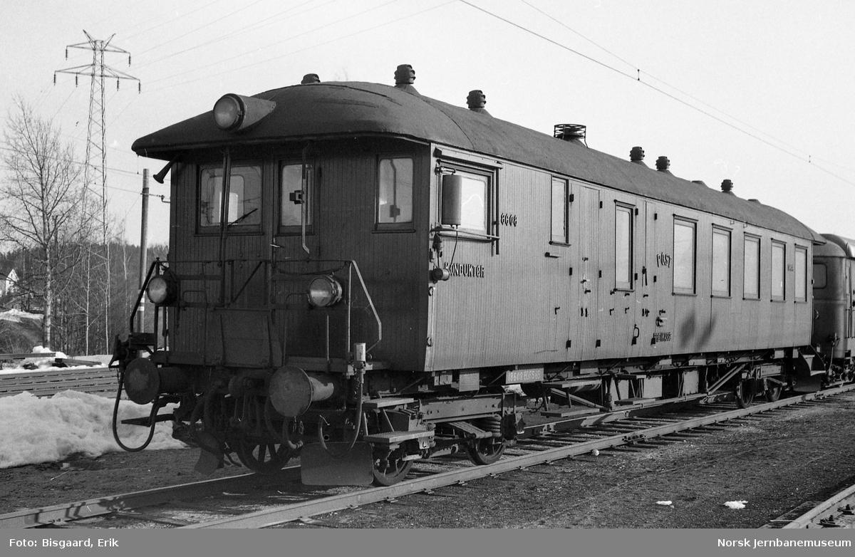 Styrevogn for motorvogntog litra BDFS65 nr. 18608 på Ski stasjon