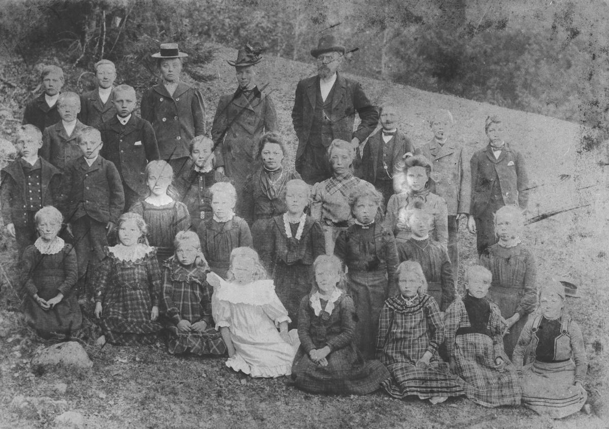 Skolebilde fra Dalefjerdingen ca 1900.