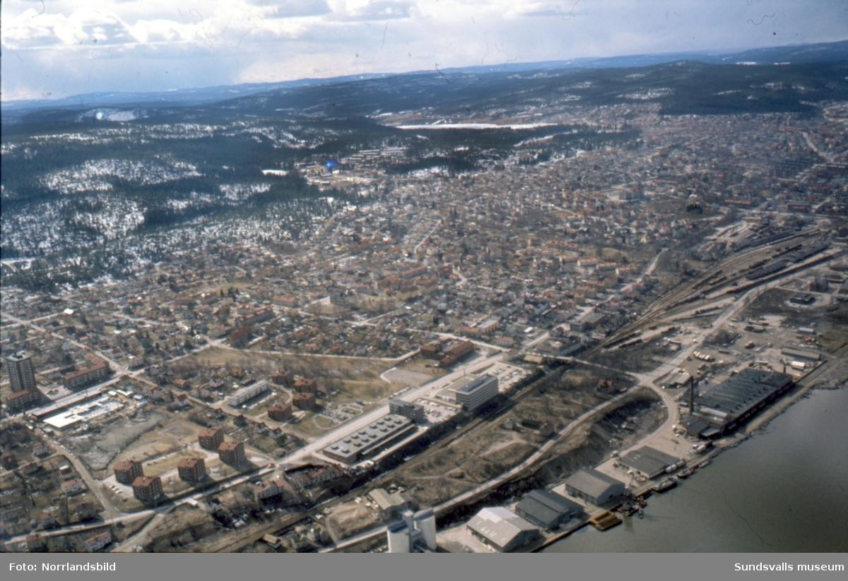 Flygfoton över Kubikenborg och Skönsmon.