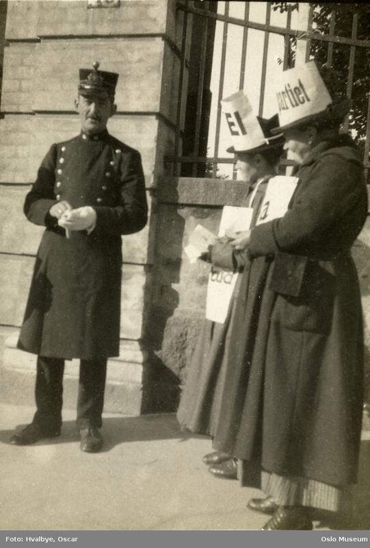 Folkeavstemning for ud (Foto/Photo)