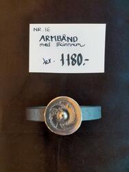 Armbånd med skinnrem. kr 1180,- (Foto/Photo)